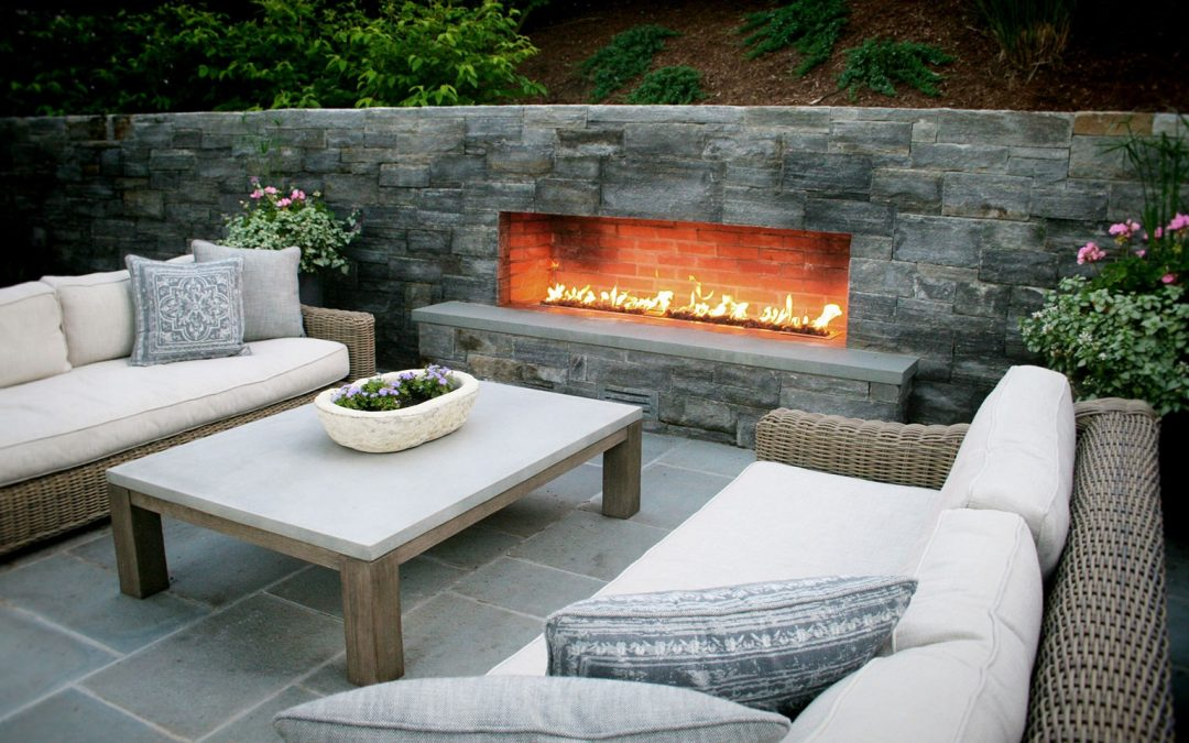 Top 12 Beautiful Outdoor Fireplace Inspirations For Your Place