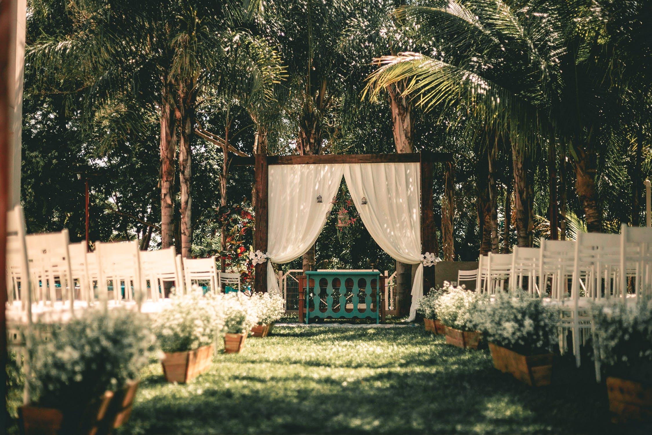 decorated garden for backyard wedding
